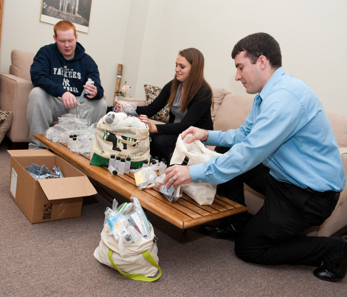 College of Mount Saint Vincent Volunteers Answer Call for Servant Leadership