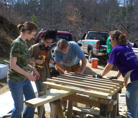 Mount Students Volunteer 1,320 Hours During Month of Service