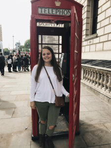 Christina Rasmussen '20 in a London telephone booth.