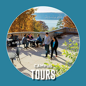 "Button saying ""Campus tours"""