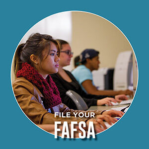 """Button saying """"File your FAFSA"""""""